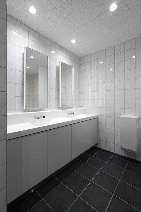 社員用トイレ洗面スペース