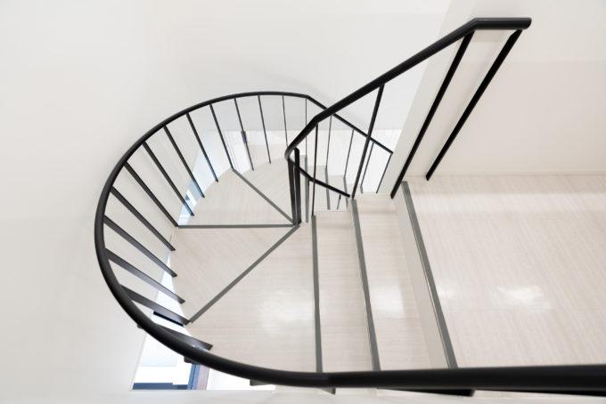 AKIM 3階へ上がる階段